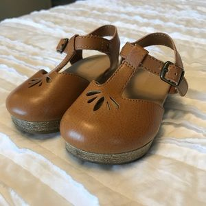 Old Navy Clogs, Size 6